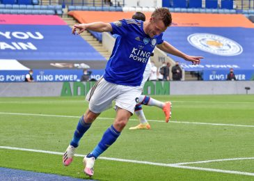 Former Stocksbridge chairman hails 'whole one-off' Jamie Vardy after Leicester ace joined Premier League 100 membership