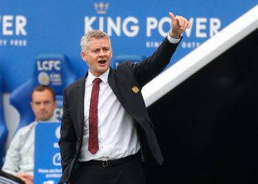 Manchester United draw up 4 man centre-back shortlist together with Man City goal and former Chelsea defender