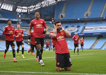 Manchester United finish Man City's 21-match successful run as Bruno Fernandes and Luke Shaw stun Pep Guardiola's facet