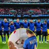Leonardo Spinazzola belts out Italy's nationwide anthem together with his son as Euro 2020 star watches Spain semi-final from residence attributable to harm
